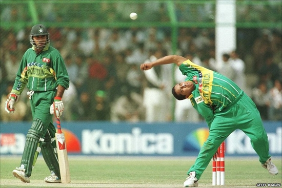 paul adams Top Weird Action Bowlers in Cricket