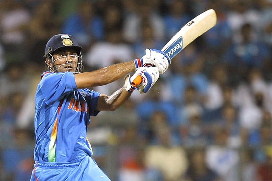 Mahendra Singh Dhoni Most Dangerous Hard Hitters in T-20 Cricket