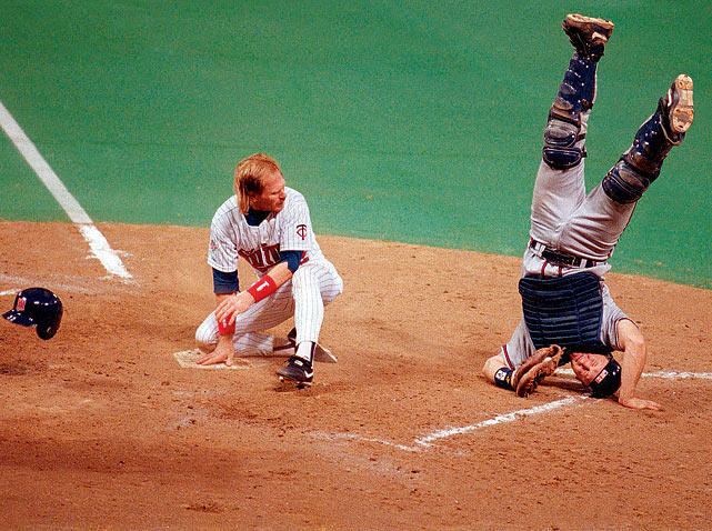 Most Iconic Sports Photos Greg Olson - World Series Game 1, Oct. 19, 1991