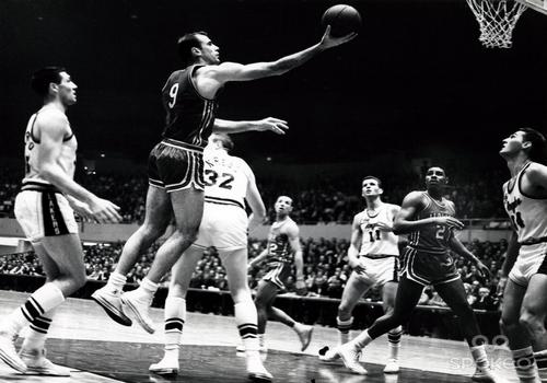 Bob Pettit NBA MVP Award