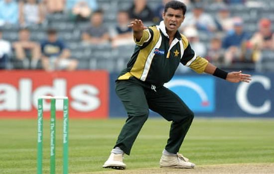 Waqar Younis Best Bowling Performances in ODI